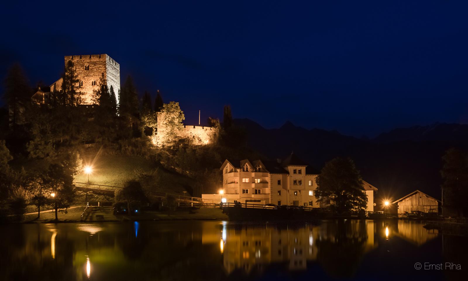 Klettersteig Quarzit Wand Burg Laudeck : Klettersteige ladis varianten auf dem klettersteig zur ruine